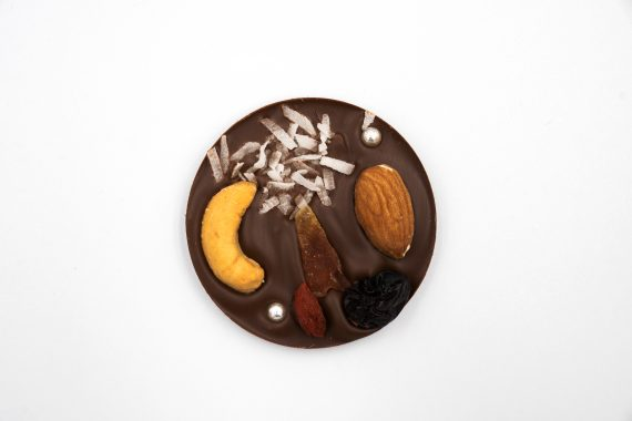 La Terre Ferme Chocolate Trái Cây Và Hạt 65%